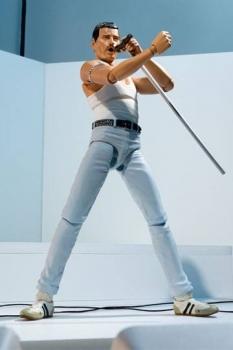 Freddie Mercury S.H. Figuarts Actionfigur Live Aid Ver. 15 cm