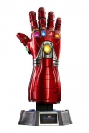 Avengers: Endgame Life-Size Masterpiece Replik 1/1 Nano Gauntlet 52 cm